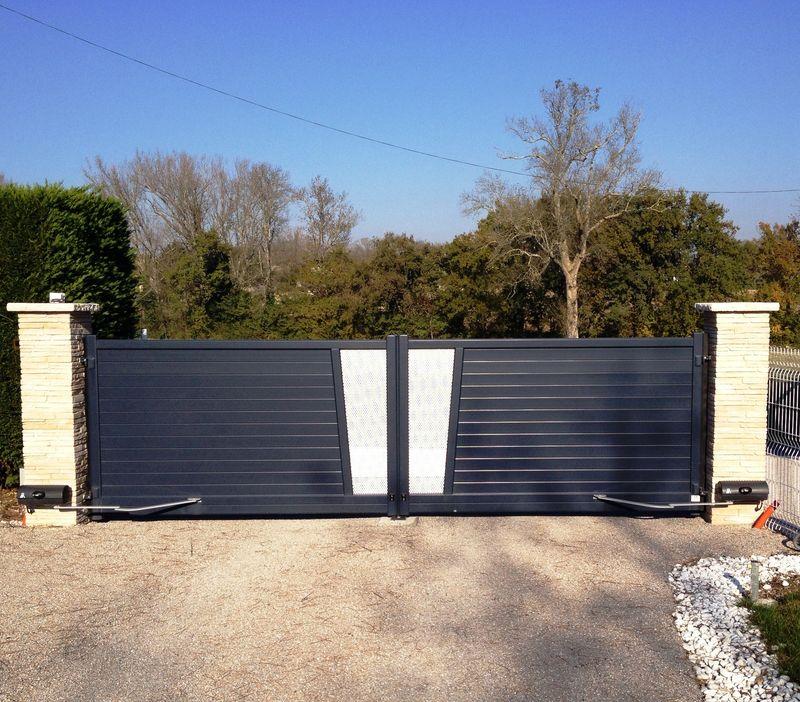 Portail 2 vantaux aluminium bicolore