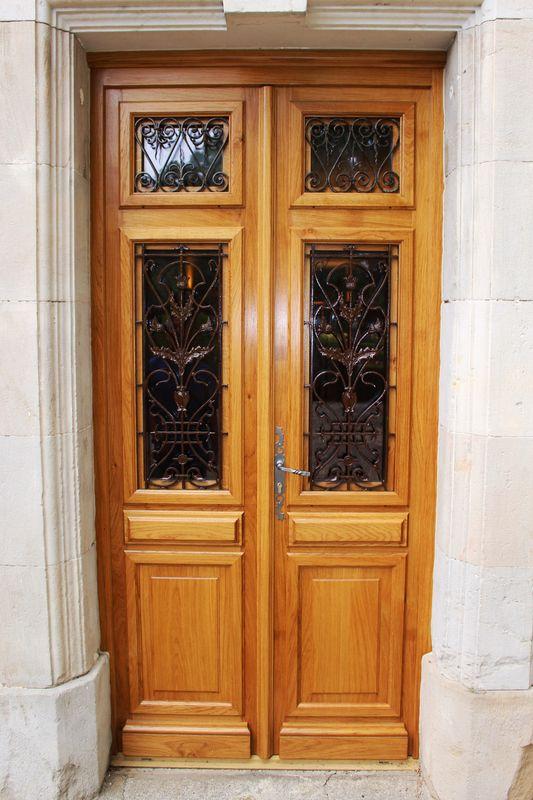 Porte bois sur mesure avec grilles